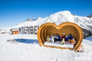 DC Picnic, Meribel heart seats
