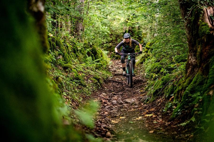 mountain biking in morzine